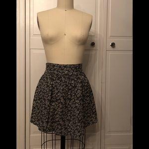Cooperative Skirts - Daisy printed mini🌼